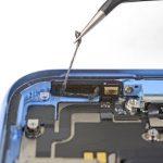 تمیز کردن چسب های محل نصب اسپیکر