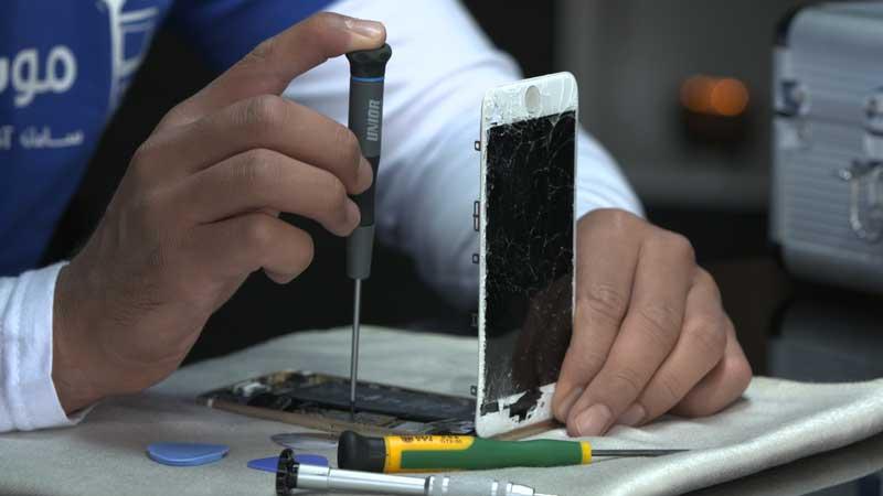 تعویض گلس شکسته LCD گلکسی اس 6 اج+ | نمایندگی سامسونگ