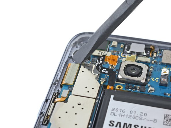 آزاد کردن کانکتور ال سی دی Galaxy S7