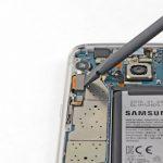 آزاد کردن کانکتور ال سی دی Galaxy S7 Edge