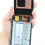 آزاد کردن کلیپس روی کانکتور LCD