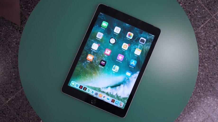 تعمیر ال سی دی iPad 9.7 با قیمت مناسب | نمایندگی اپل | تعمیر آیپد