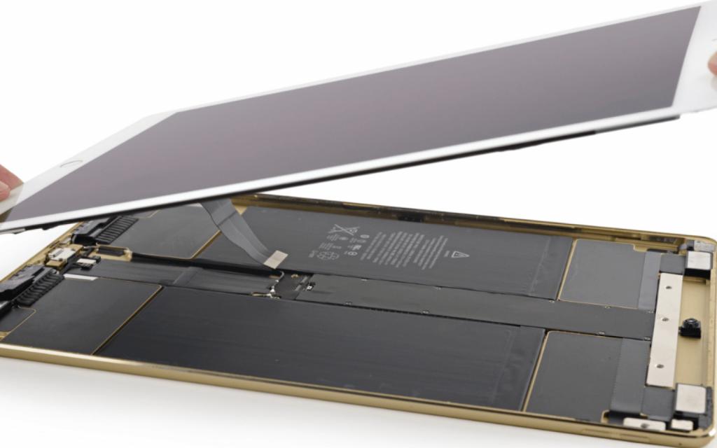 تعویض گلس شکسته صفحه نمایش iPad Pro 12.9 2015 با قیمت عالی