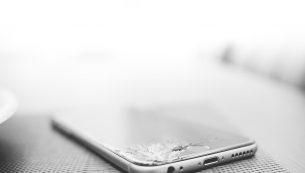 تعویض گلس یا شیشه شکسته iPhone 11 Pro Max