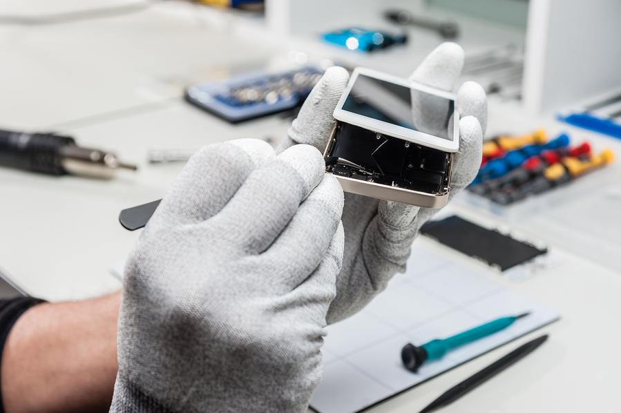 تعویض و تعمیر باتری آیفون 11 با کمترین هزینه   نمایندگی رسمی اپل