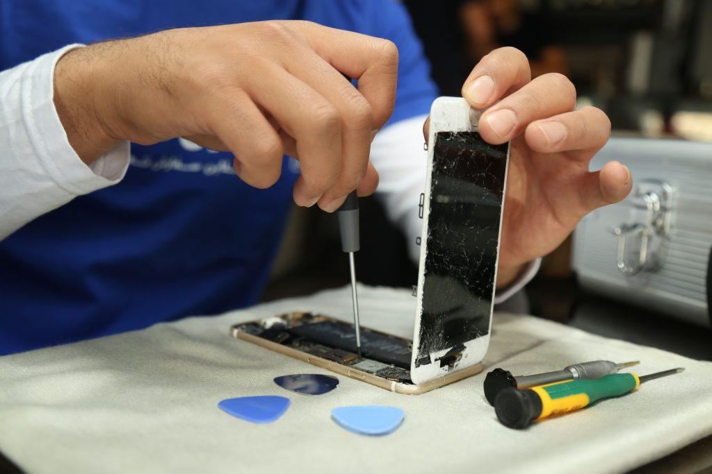 تعمیر ویبره آیفون و گوشی اپل   رفع مشکل ویبراتور آیفون