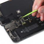 آزاد کردن کانکتور ال سی دی iPhone 11 Pro Max
