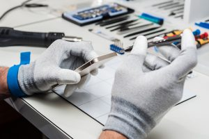 تعمیر آیفون XR اپل | تعمیرات گوشی آیفون ایکس آر | نمایندگی اپل