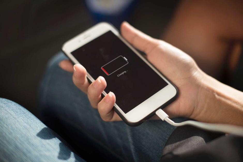بهترین زمان برای تعویض باتری آیفون | گارانتی اپل