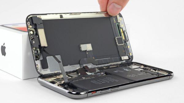 آخرین ویژگی نمایشگر این موبایل، Wide Color یا P3 است. این ویژگی باعث شده است تا گستره رنگی آیفون xs مکس، به بیشترین میزان در بین گوشیهای اپل برسد.