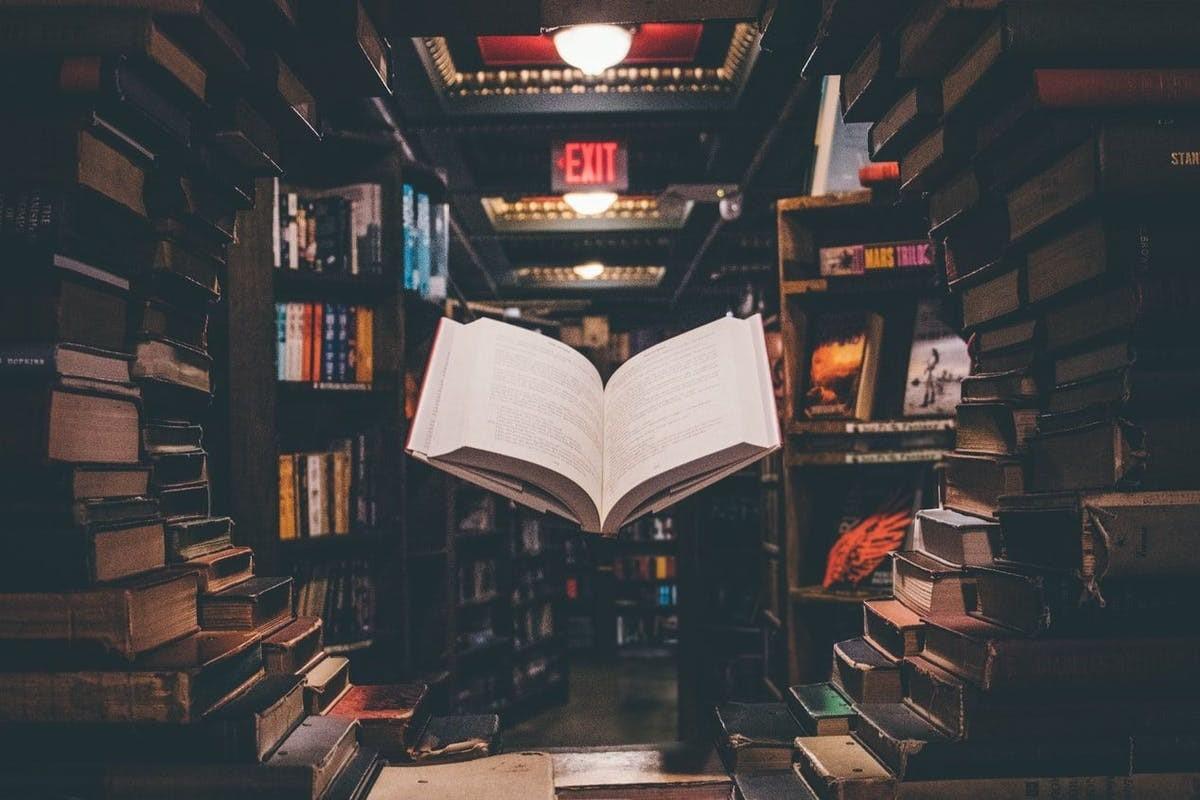 نگاهی کوتاه به کتاب های علوم اجتماعی و تاثیر موبایل